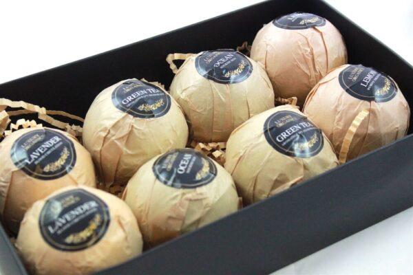 8 Piece Bath Bomb Gift Box